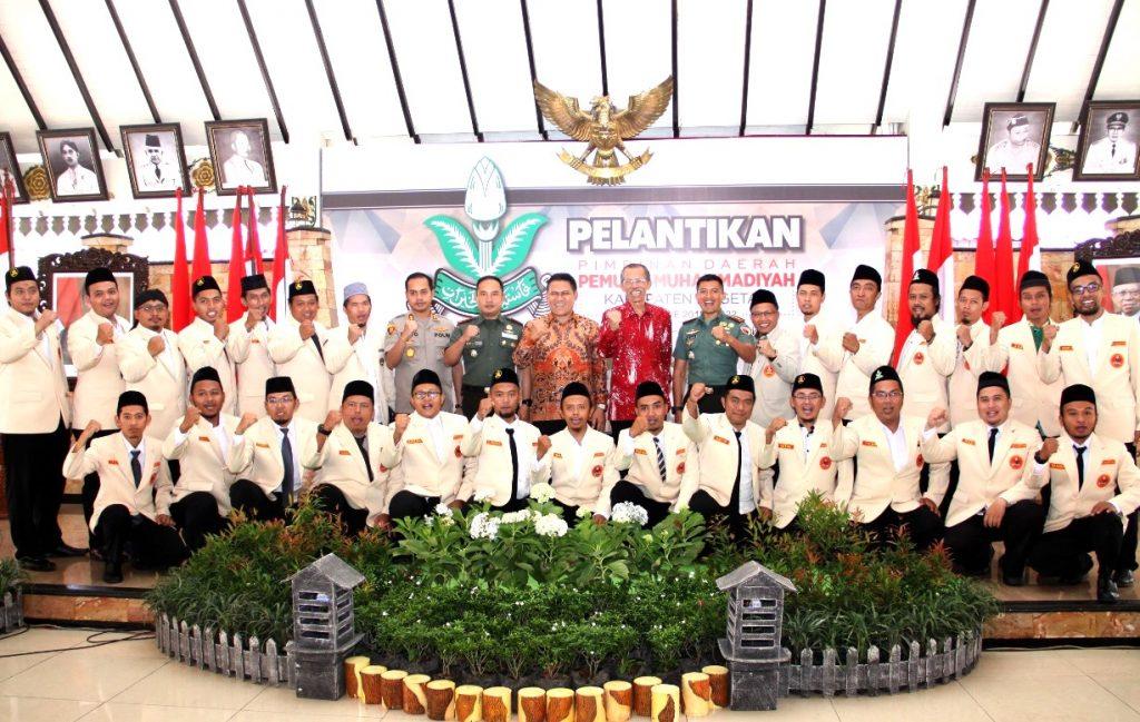 Catatan manis pelantikan PDPM Magetan Periode 2018-2022 yang dilangsungkan di Pendopo Surya Graha, Kabupaten Magetan, Sabtu (29/2/20).