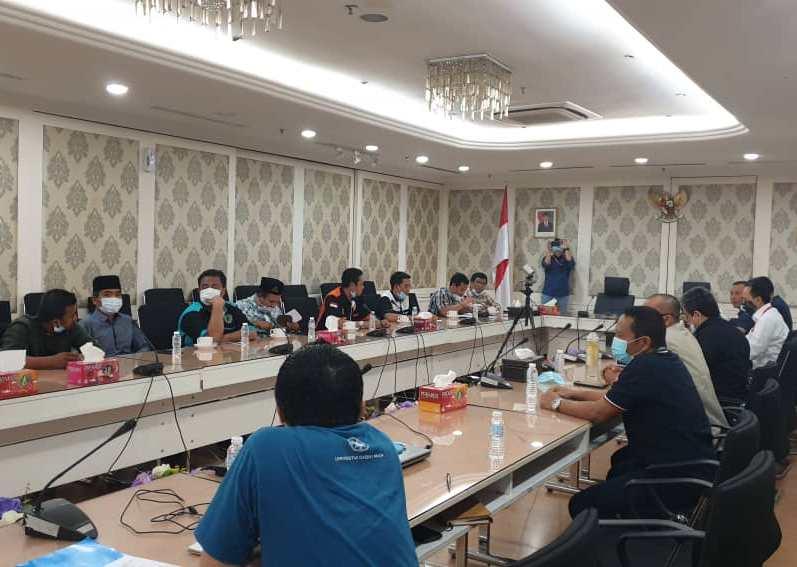 Aliansi Ormas Indonesia di Malaysia menyampaikan sikap ke KBRI terkait nasib WNI saat lockdown Malaysia. (Sonny/PWMU.CO)