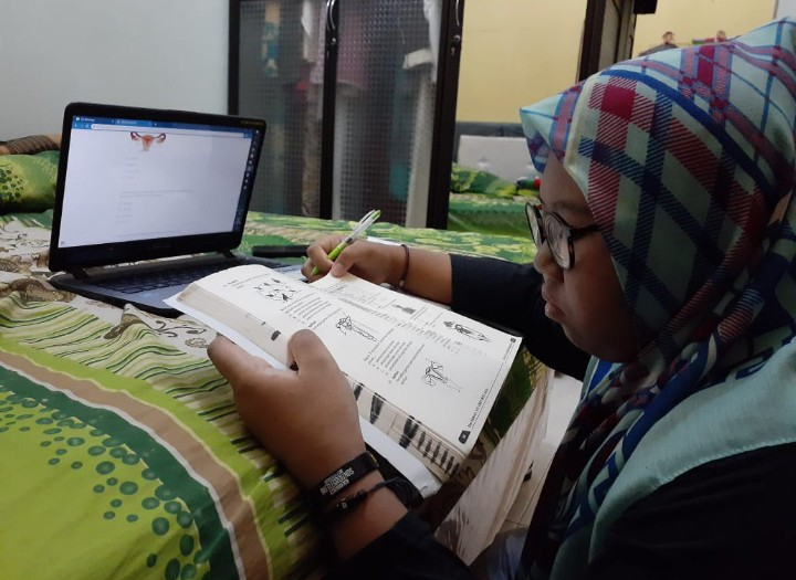 Daring dan raport online ala Spempat Surabaya. Hal ini menyikapi kebijakan belajar di rumah karena merebaknya pandemi Covid-19