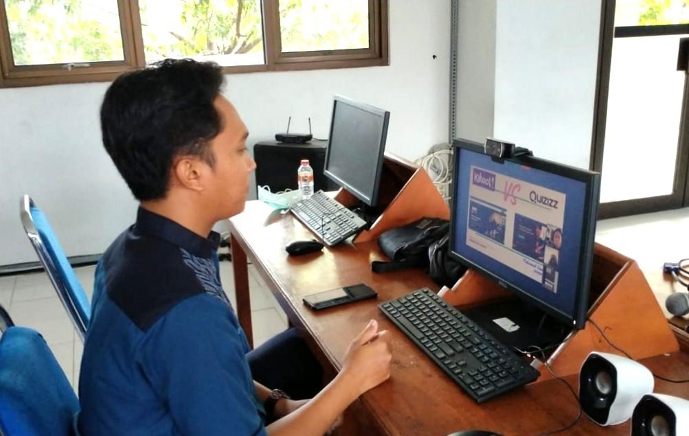 Guru Spemdalas pelatihan secara daring di tengah wabah pandemi Covid-19. Instruktur di seklah, peserta di rumah masing-masing, Sabtu (4/3/2020).