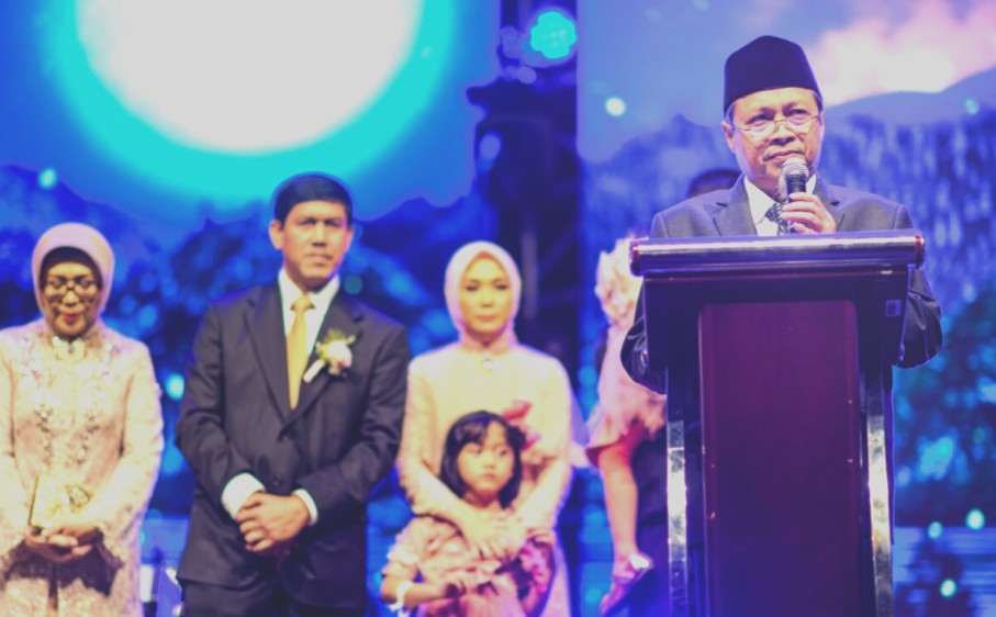 Pak Nadjikh Pamitan ke Saya ditulis oleh Moh. Sulthon Amien, Wakil Ketua PWM Jatim, Ketua BPH Universitas Muhammadiyah Surabaya, dan Dirut Laboratorium Klinik Parahita.
