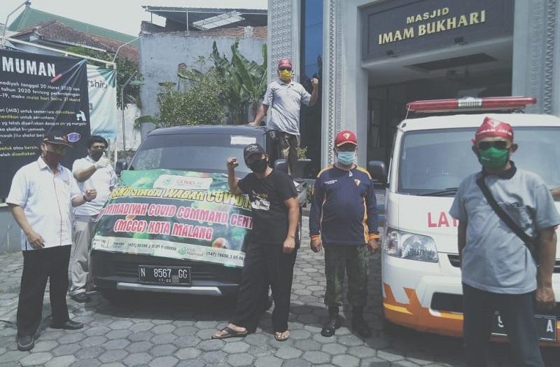 Seribu sembako dibagikan MCCC Kota Malang kepada anggota Corp Mubaligh Muhammadiyah Malang Raya yang terdampak Covid-19, Sabtu (25/4/20).