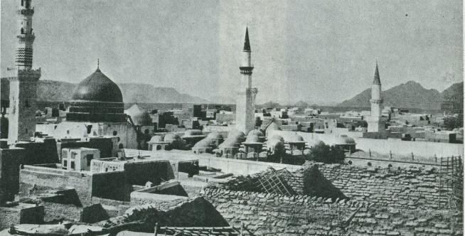Masjid Nabawi di Madinah zaman dulu.