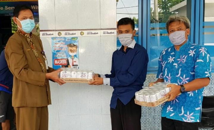 Smamita dukung tenaga medis. Smamita mendonasikan sembako untuk RS Siti Khodijah Sepanjang yang menangani pasien Covid-19 pada Senin (27/4/2020).