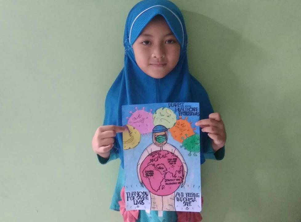 Poster empati Covid-19 SD Almadany dalam peringatan Hari Kesehatan Internasional dilakukan para siswa sekolah alam tersebut, Selasa (7/4/20).