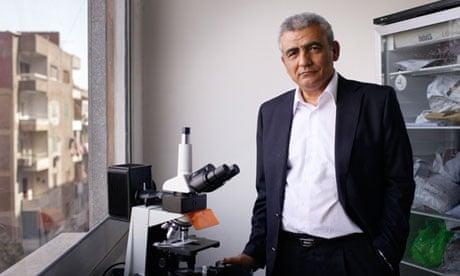 The Guardian laporkan Ali Mohamed Zaki Temukan Virus Corona tahun 2012. (Foto The Guardian)