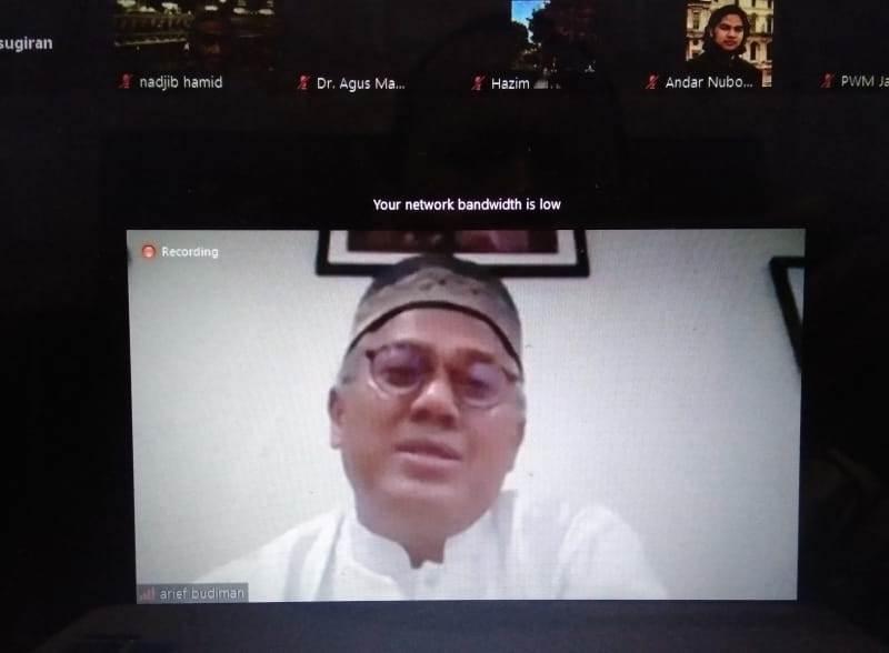 Arief Budiman. KPU paparkan pertimbangan teknis  pelaksanaan Pilkada. (Sugiran/PWMU.CO)