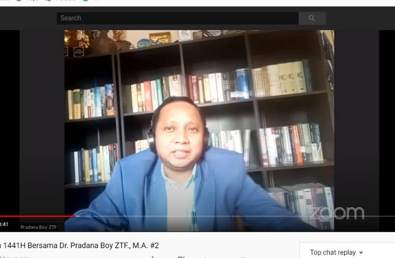 Pasca Covid-19 ada empat hikmah bagi dunia Islam. Hal ini dijelaskan Dr Pradana Boy ZTF SAg MA dalam Pengajian Ramadhan online, Kamis (14/5/20).