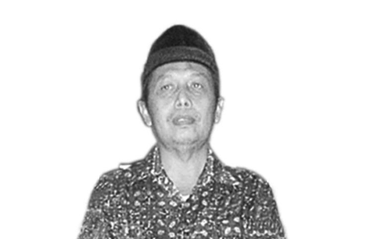 Abdul Fatah: Kiainya Wong Cilik. Mengisahkan kesederhanaan dan kedekatan Ketua Pimpinan Daerah Muhammadiyah Lamongan periode 1995-2000 dan 2005-2010.