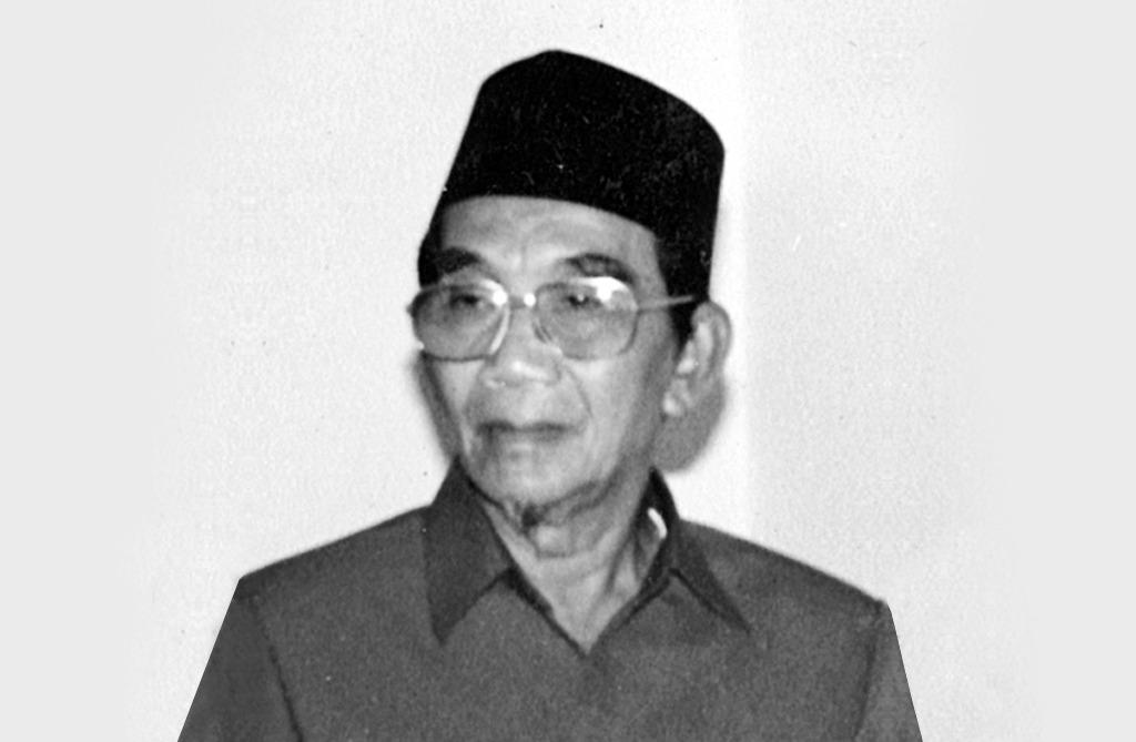 Djuraid Mahfud: ikut berjihad lawan Belanda sebelum menjadi mubaligh yang keliling dari satu kampung ke kampung lain di Surabaya. Untuk itu tak jarang dia naik sepeda pancal.
