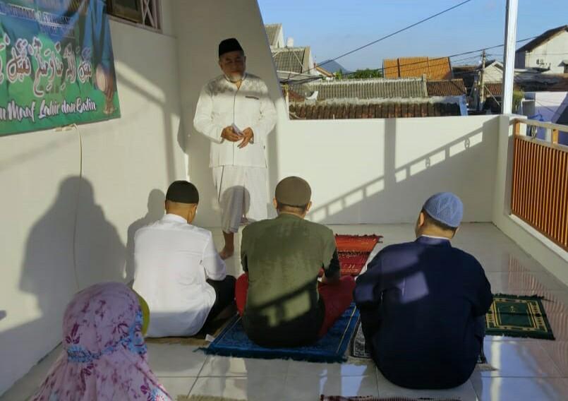 Jangan jadikan rumah sebagai kuburan adalah salah satu peringatan Nabi SAW yang dikutip dalam khutbah Idul Fitri di rumah.