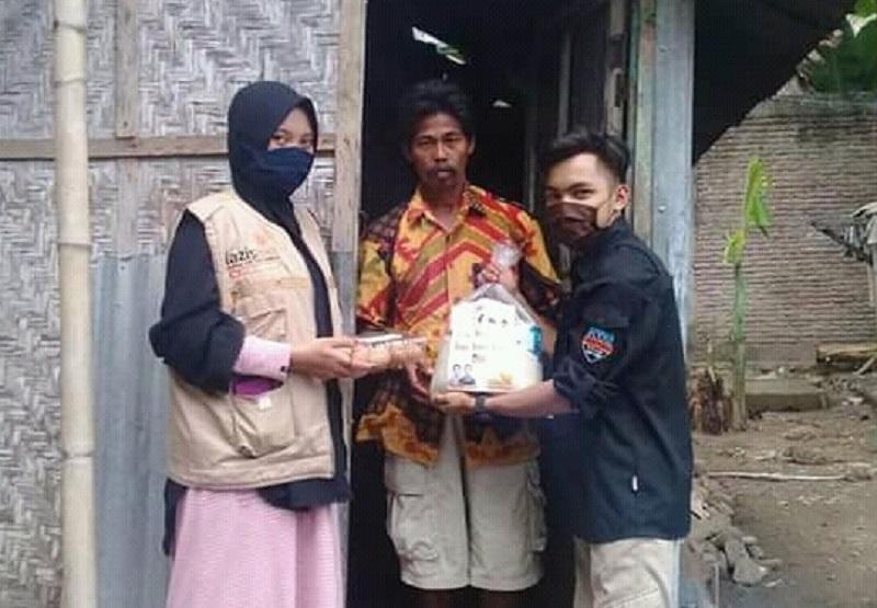 Lazismu  Limbung telah menyalurkan sebayak 351 paket sembako yang dibagikan ke warga kurang mampu di kelurahan/desa Kecamatan Bajeng Kabupaten Gowa, Sabtu (23/5/20).
