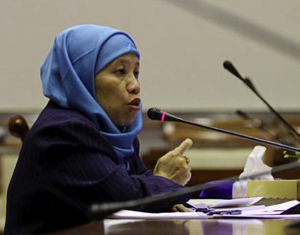 Teror menimpa Prof Ni'matul Huda yang akan mengisi diskusi mahasiswa UGM.