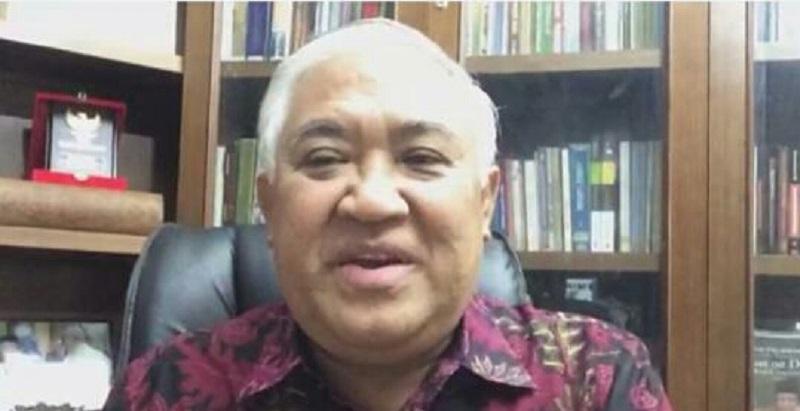 Din Syamsudin menjelaskan pendidikan Muhammadiyah harus menyikap new normal dengan nilai keutamaan yaitu kehidupan untuk kebaikan bersama. Di dalamnya ada kebiasaan atau kelaziman baru. Inilah yang disampaikan Prof Dr Din Syamsuddin MA dalam Diskusi Pendidikan Webinar Majelis Dikdasmen Pimpinan Pusat (PP) Muhammadiyah, Sabtu (30/5/20).