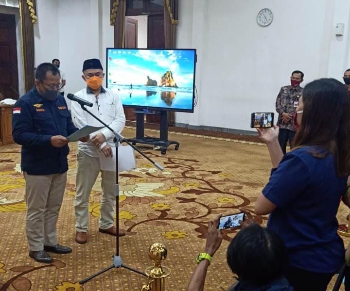 Surat Pemprov Jawa Timur No. 451/7809/012/2020 tentang Imbauan Kaifiat Takbir dan Shalat Idul Fitri dicabut. (Faisol/PWMU.CO)