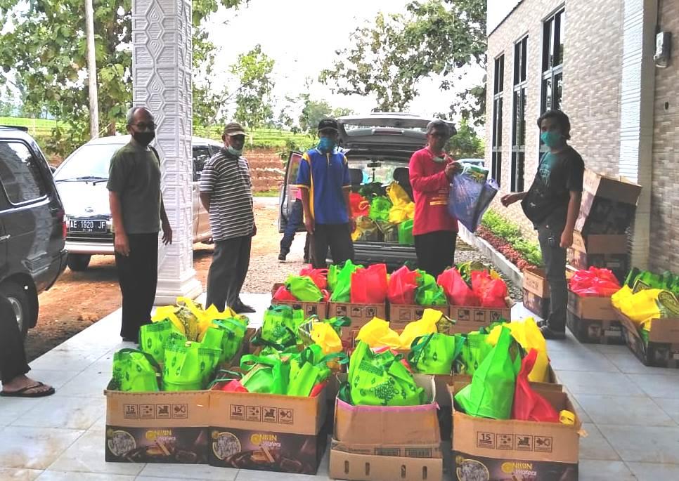 Bakti Ramadhan PCM Kenebejo Ngawi memasuki tahun keempat. Kegiatan yang bertajuk Bersama untuk Sesama itu digelar Jumat (15/5/20).