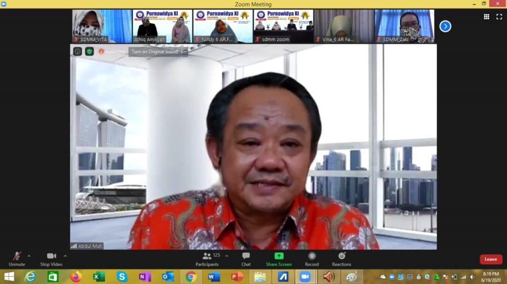 Saat Abdul Mu'ti berbalas pantun di Purnawidya XI Virtual SD Muhammadiyah Manyar (SDMM) Gresik, suasana menjadi lebih gayeng, meski dalam layar zoom, Sabtu (20/6/20).