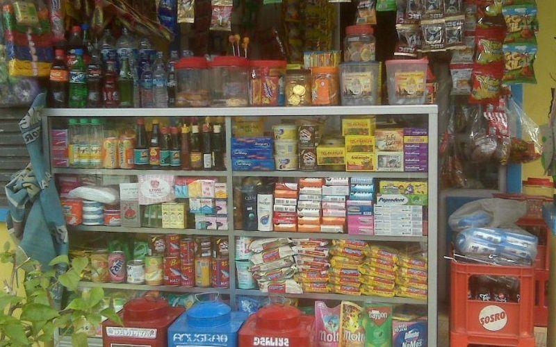 Pandemi dan Bangkitnya Ekonomi Rakyat dengan belanja ke toko tetangga.