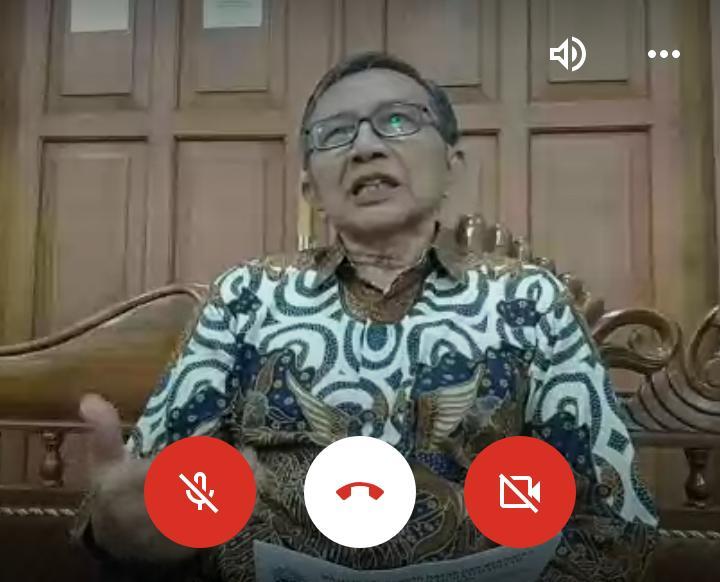 Dahlan Rais saat Halal Bihalal virtual IMM Solo Raya via Google Meet. (Faiz/PWMU.CO)