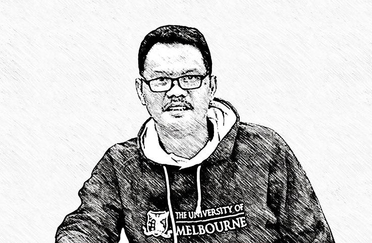 Jalan Berliku Menjadi Muhammadiyah ditulis oleh Syamsul Arifin, Guru Besar Sosiologi Agama Program Studi Pendidikan Agama Islam Fakultas Agama Islam UMM. Juga Wakil Rektor Bidang Akademik dan Pengembangan AIK Universitas Muhammadiyah Malang (UMM).