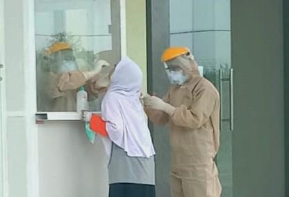 Kisah Dramatik Dokter Terinfeksi Covid-19 dituturkan oleh dr Husnul Millati, Kepala IGD RSUD Dolopo Kabupaten Madiun.