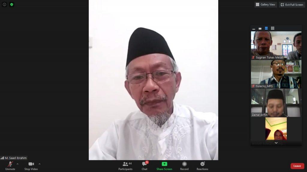 Muhammadiyah: antara pemurnian dan pembaharuan disampaikan Ketua Pimpinan Wilayah Muhammadiyah (PWM) Jatim Dr M Saad Ibrahim MA dalam Silaturahim dan Halal bi Halal Majelis Pelayanan Sosial (MPS).