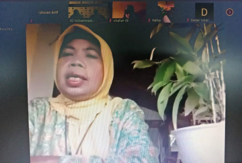 Rumahku Sekolahku adalah istilah baru di lingkungan sekolah Muhammadiyah. Seperti diungkapkan Ketua Majelis Dikdamen Pimpinan Wilayah Muhammadiyah (PWM) Jawa Timur Dra Arbaiyah Yusuf MA.