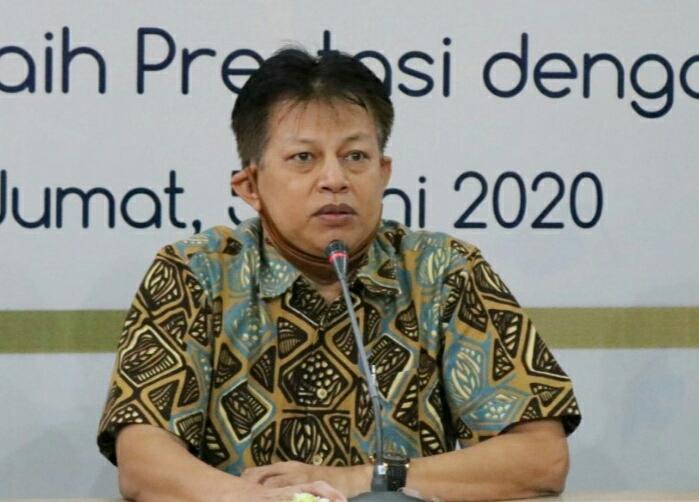 Respon pandemi dengan proaktif dan kreatif dituturkan Ketua Majelis Dikdasmen Pimpinan Cabang Muhammadiyah (PCM) GKB Gresik Nanang Sutedja SE MM, Jumat (5/5/20).