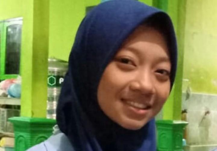 Penghafal 6 juz ini lulus terbaik SMP Muhammadiyah Boarding School (MBS) Jombang. Dia adalah Istiqlallia Kamila Alkhoir asal Mojokerto.