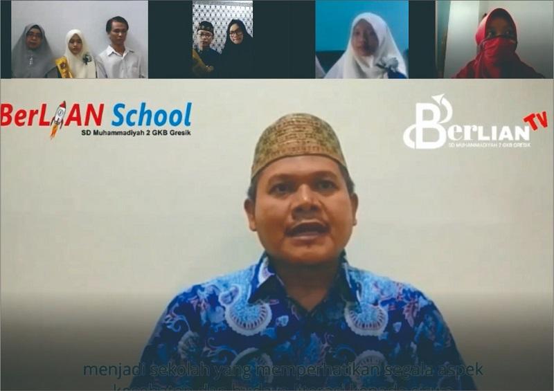 "Pesan menyentuh orangtua siswa di acara Wisuda Virtual Angkatan VI SD Muhammadiyah 2 GKB (Berlian School), Senin (15/6/20). ""Hidup sehat dan baca buku terus ya!"""