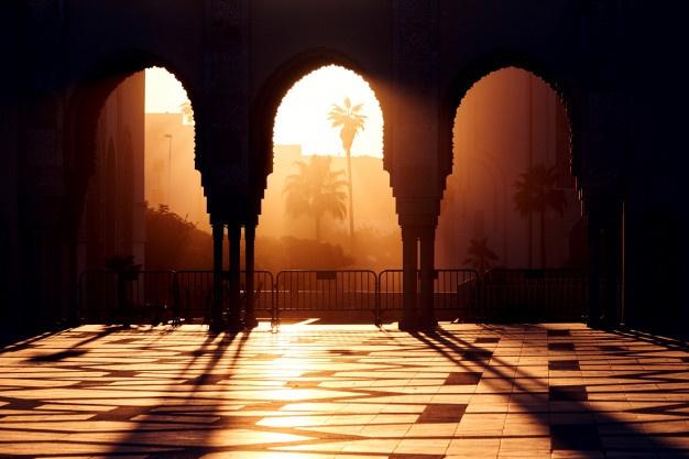 6 Syahadat yang Bawa ke Surga dari 8 Pintu ditulis oleh Ustadz Muhammad Hidayatulloh, Pengasuh Kajian Tafsir al-Quran Yayasan Ma'had Islami (Yamais), Masjid al-Huda Berbek, Waru, Sidoarjo.