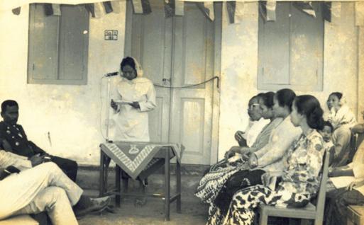 Nasyiah Brondong dari Masa ke Masa ditulis oleh Nely Izzatul, Sekretaris Departemen Kader PCNA Brondong, Lamongan. Tulisan ini pernah dikompetisikan dalam penulisan sejarah oleh PDNA Lamongan tahun 2018.