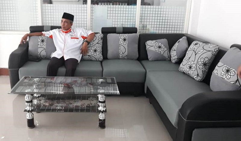 Sofa hamba Allah percantik Gedung Dakwa Muhammadiyah (GDM) Lumajang yang diresmikan Ketua Umum Pimpinan Pusat Muhammadiyah Prof Dr Haedar Nashir MSi bulan Februari lalu.
