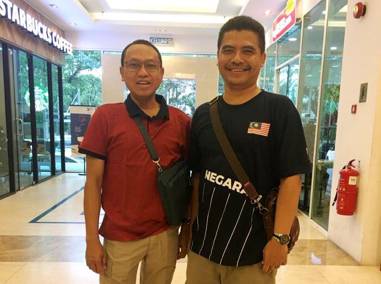 Hadi Mustofa, kiri, dan Agus Setiawan di Penang. In Memoriam Hadi Mustofa Djuraid. (Agus/PWMU.CO)