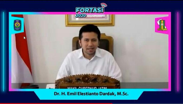 Wakil Gubernur Jawa Timur Dr H Emil Elistianto Dardak saat memberikan opening speech dalam Forum Taaruf dan Orientasi Siswa (Fortasi) Smamda via daring (Masitha/PWMU.CO)