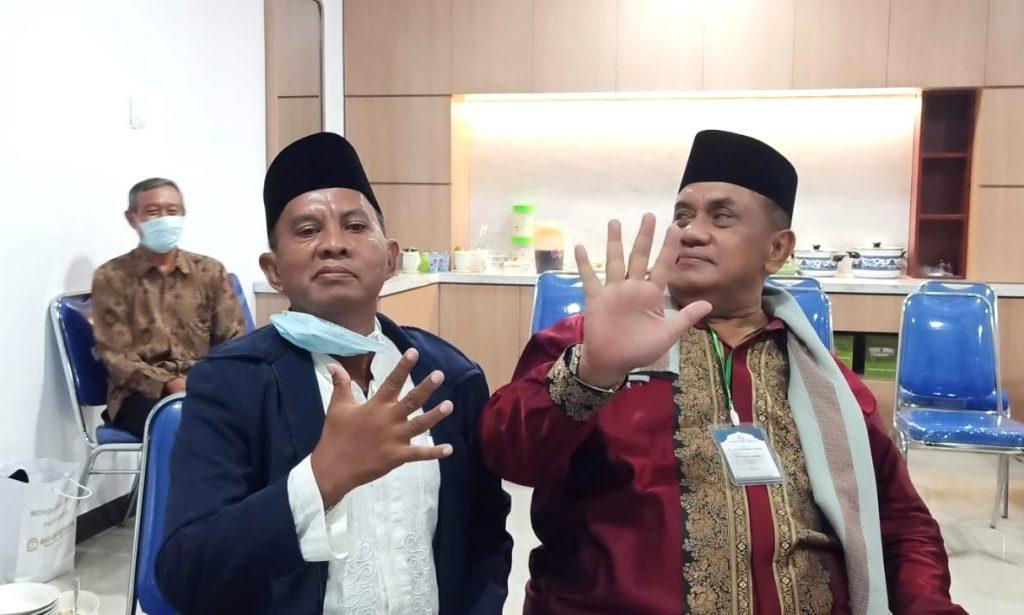 Djauhar Arifin Pribadi Menyenangkan. Kesan itu diungkapkan Uripan Nada, mantan Kepala SMK Muhammadiyah 5 Gresik. Sekolah yang disokong penuh almarhum.