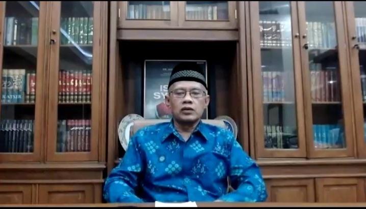 Haedar Nashir saat Pengajian Bulanan Pimpinan Pusat (PP) Muhammadiyah dengan tema Idul Adha di Masa Pandemi Covid-19 (Tangkapan Layar Zoom Nely Izzatul/PWMU.CO)