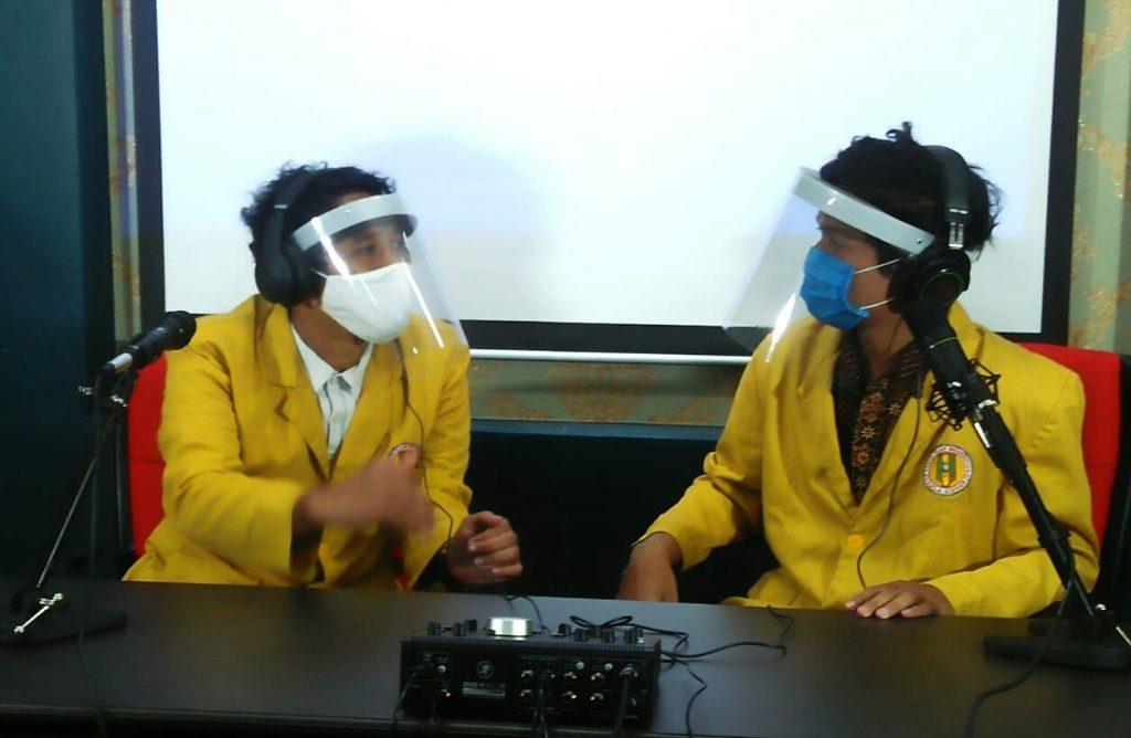 Smamda sulap ruang briefing jadi studio keren yang digunakan oleh host untuk memandu kegiatan virtual MPLS di masa pandemi Covid-19.
