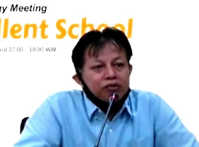 Perkuat Literasi teknologi informatika di era pandemi disampaikan Nanang Sutedja SE MM dalam Marketing Synergy Meeting, Sabtu (25/7/20).