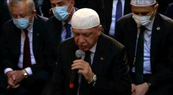 Hot Figure Recep Tayyib Erdogan, Kolom oleh ditulis oleh Ali Murtadlo, Kabar Gembira Indonesia (KGI).