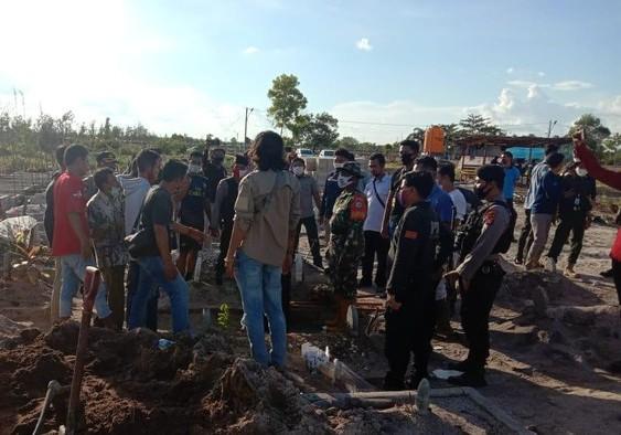 Pemakaman jenazah covid-19 di Palangka Raya yang terjadi penganiayaan relawan MCCC.