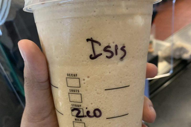 Gelas kopi Starbuck yang bertulisan ISIS. (foto sahan journal)