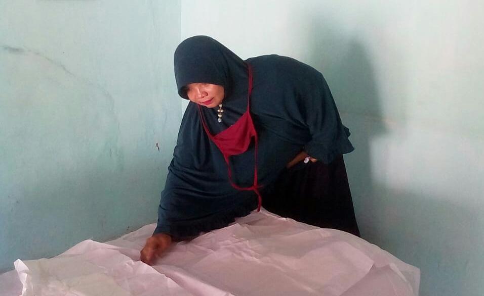Susiati, perawat jenazah tangguh dari Aisyiyah Tanggul, Jember.
