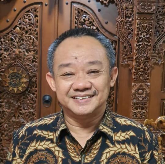 Abdul Mu'ti Jadi Guru Besar. Dosen Universitas Islam Negeri (UIN) Syarif Hidayatullah Jakarta Dr Abdul Mu'ti MEd diangkat menjadi Guru Besar Bidang Ilmu Pendidikan Agama Islam.