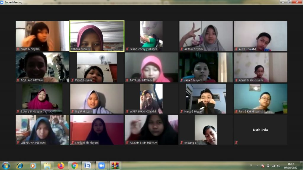 BBQ Virtual di SD Muhammadiyah Manyar (SDMM) Jalan Amuntai No 1 GKB Gresik tetap berjalan meski masa pandemi Covid-19.