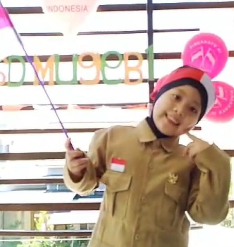 Adu menyanyi solo di sekolah GKB Gresik dengan tema kemerdekaan di kategori junior A, diikuti  siswa kelas I-III SD Muhammadiyah 1 GKB Gresik dan SD Muhammadiyah 2 GKB Gresik.