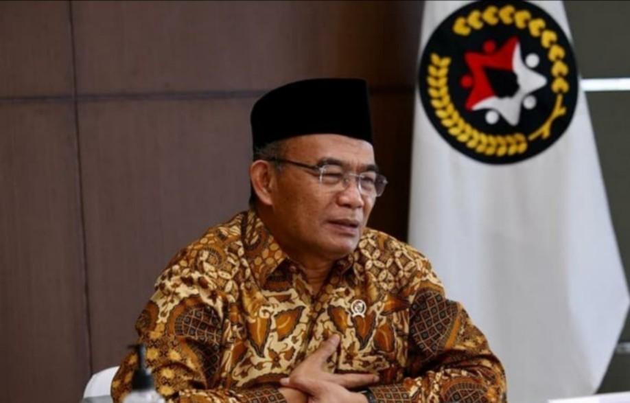 Muhadjir Ingin Memecah Belenggu Kemiskinan Struktural, kolom oleh Anwar Hudijono, wartawan senior, tinggal di Sidoarjo.
