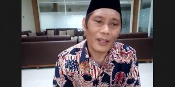 Dr Taufiqullah Ahmadi MPd saat memberikan sambutan pentingnya menjaga spirit berorganisasi (Tangkapan layar Erik/PWMU.CO)