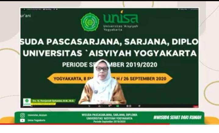 Dra Hj Siti Noordjannah Djohantini MM MSi saat memberikan sambutan pada Wisuda Daring Unisa Yogyakarta (Nely Izzatul/PWMU.CO)