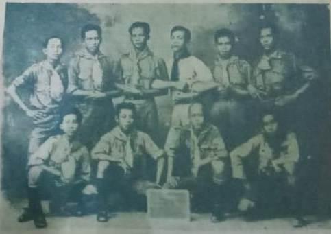 Mat Yasin Wisatmo, berdiri ketiga dari kiri bersama pimpinan HW tahun 1926 jelang Kongres di Surabaya.
